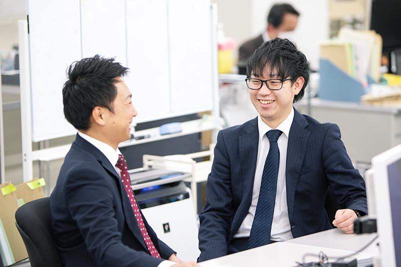 中先生とお話をする山本 真生さん